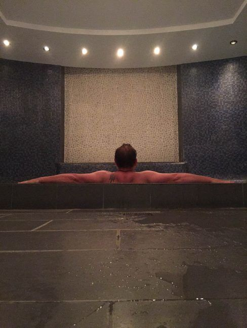 spa etiquette tips for the steam room