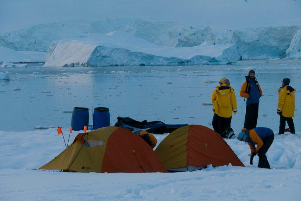 camping-antarctica-7